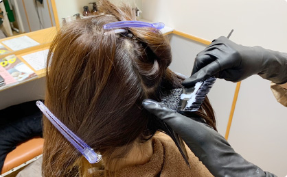 毛髪診断で得た情報を元に薬剤を選定